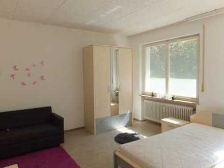 1 möbliertes Zimmer für FH Studentinnen in ruhiger Lage mit EBK