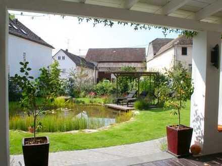Charmantes, saniertes Fachwerkhaus mit schönem Garten in ruhiger Lage in Hünstetten!
