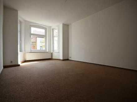 künftig modernisierte 4-Raum-Wohnung*2.OG*Balkon*AR*Tageslichtbad