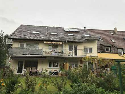 renovierte 2 ZKB in 6-FH mit Balkon & Garten im DG