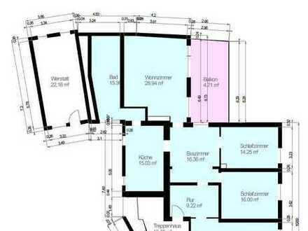 Moderne 5 Zimmer Wohnung im Mehrfamilienhaus mit einem wunderschönen Blick.