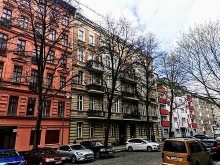 Altbau - Schmuckstück vom Allerfeinsten: Riesige 3-4 Raum-Wohnung mit modernster Ausstattung !!!