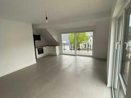 Heller Neubau in Waldstetten 3 Zimmer und Balkon
