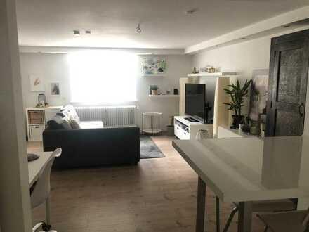 Schöne gemütliche 2-Zimmer-Souterrain-Wohnung