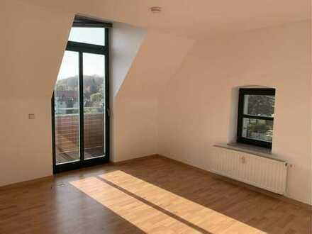 Große 2,5 Raum Maisonette mit Tageslichbad, Balkon, Stellplatz