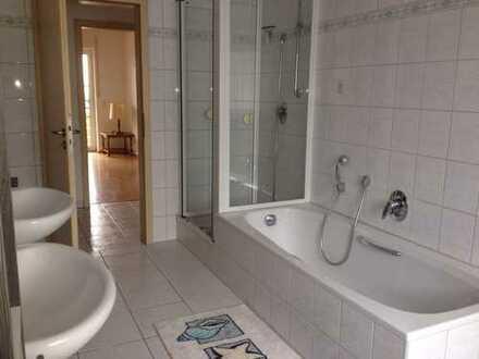 Helle 3,5-Zimmer-Wohnung mit Balkon in Gerhardshofen