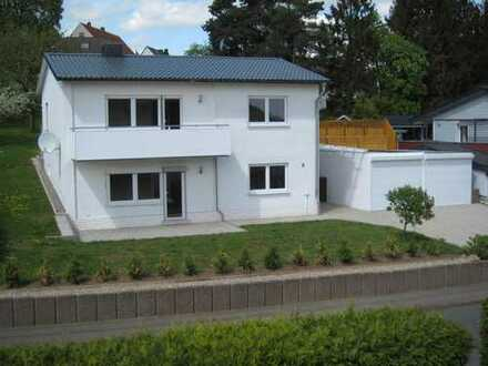 Wohnen wie im Eigenheim - renoviertes EFH mit guter Anbindung