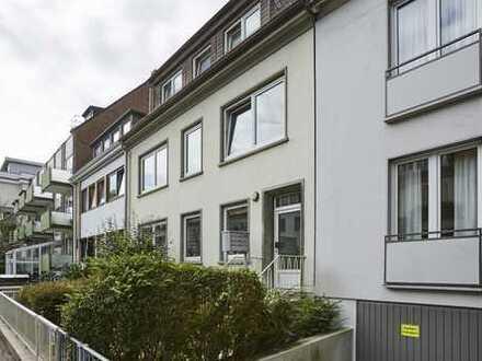 *Helle Vier-Zimmer-Wohnung im Herzen von Schwachhausen*