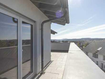 Moderne und helle Penthouse-Wohnung mit Ausblick vom Schwarzwald bis zur Alb!