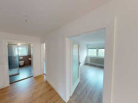 Top sanierte 5 ZKB-Wohnung in einem stilvollen Haus zu vermieten