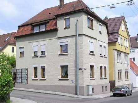 Grundsanierte, schöne und helle 3 1/2 Zimmer Wohnung in Stuttgart, Zuffenhausen