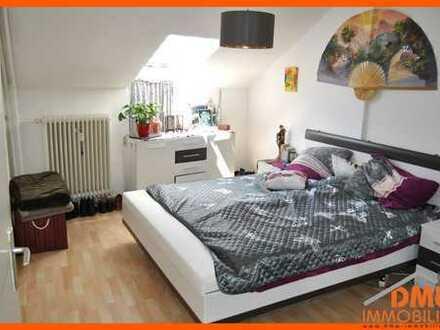Renovierte 4-Zimmer mit Einbauküche, Tageslichtbad und PKW-Außenstellplatz in der Innenstadt