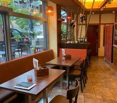 Essen: gut geschnittenes, asiatisch geführtes Restaurant mit Außenterrasse
