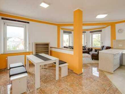 Schöne 3 ZKB Wohnung Augsburg, Göggingen, neu renoviert, möbliert, Nähe Hessing Klinik