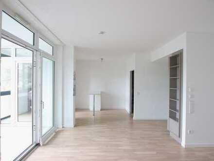 Vom Licht geküsste 2-Zimmer-Wohnung in Bogenhausen