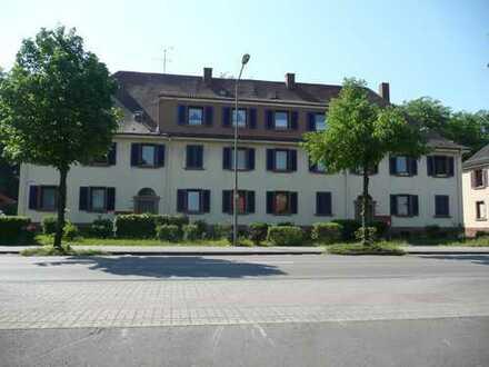 Schöne, geräumige Wohnung in der Kaiserstrasse / KL Einsiedlerhof neu renoviert