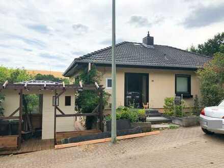 Geräumiges Haus mit großem Garten, Garage und Schuppen * keine Käuferprovision
