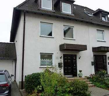 2,5-Zimmer-DG-Wohnung zur Miete in Mülheim-Heimaterde, Nähe RRZ