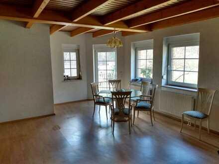 Gepflegte 2-Zimmer-Hochparterre-Wohnung mit Balkon und Einbauküche in Bad Saarow