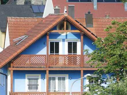 4-Zimmer-DG-Wohnung mit Balkon in Theuern
