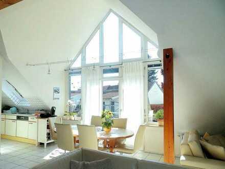 **Sonnige 3,5-Zimmer-Maisonette mit 2 Balkonen, Garage und Stellplatz in Singen-Bohlingen