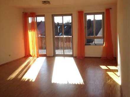 Genießen Sie die Sonne auf dem Balkon, moderne, sehr gut ausgestattete 3-Zimmerwohnung