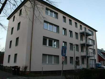 19m² + Balkon in netter Mädels-WG ab 8.4., Kreuzviertel