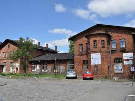 Cafe-Restaurant direkt am Hbf. Schwerin + Kulturhaus für Veranstaltungen + Parkplätze