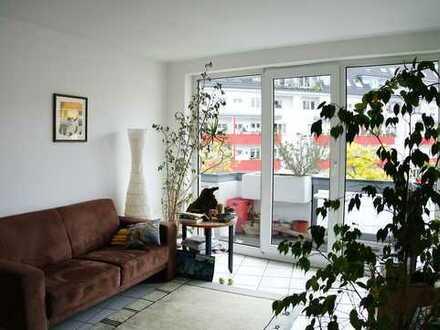 Schöne, geräumige zwei Zimmer Wohnung in Kölner Südstadt mit Südbalkon