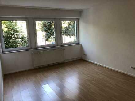 Schöne helle 2-Zimmer-Wohnung zur Miete in Wiesbaden
