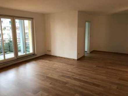 Komfortable neuwertige 3-Zimmer-Wohnung mit 2 Balkonen in Fürth am Stadtpark