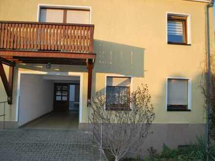 sehr schöne Souterrain Wohnung große Wohnküche, provisionsfrei