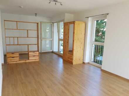 Stilvolle, geräumige 1-Zimmer-Wohnung mit Einbauküche in Kempten