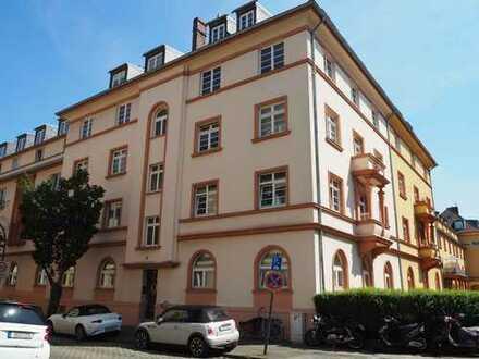 Klettenberg! Dachgeschoss-Maisonette-Wohnung im denkmalgeschützten Wohnhaus
