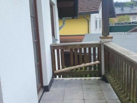 Thalgau, sonnige 3 Zi.- Balkonwohnung mit Kellerabteil und 2 Carport, Zentrumsnähe.