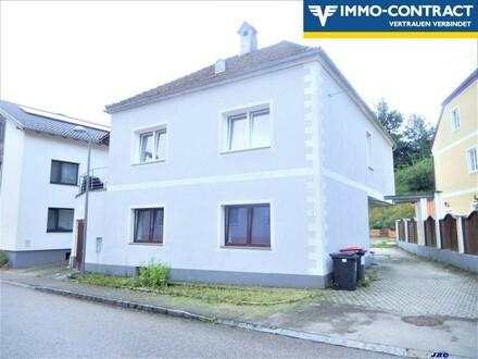 Wohnhaus im Ortszentrum mit Terrassen zu mieten