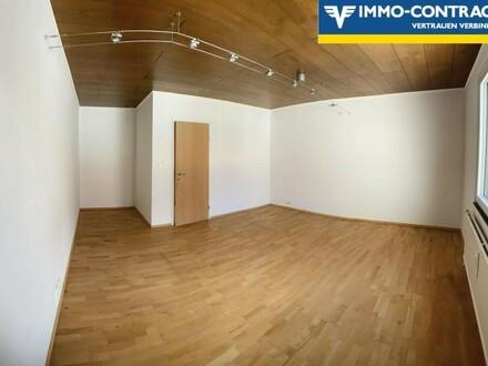 Große helle Wohnung in Krems
