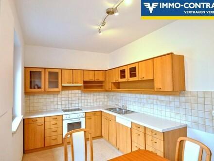 Schöne geräumige Wohnung mit großer Terrasse, großem Balkon und 2000m² Gemeinschaftsgarten und Spielplatz