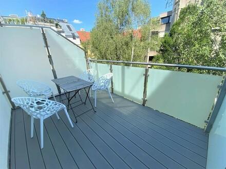 Absolut ruhige Altbauwohnung mit zwei Balkonen
