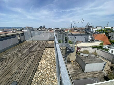 Schöne Dachgeschosswohnung mit 3 Terrassen