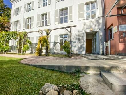 Gartenbüro, hell und ruhig in bester Grinziger Lage // Garden office, bright and quiet in best Ginzing location