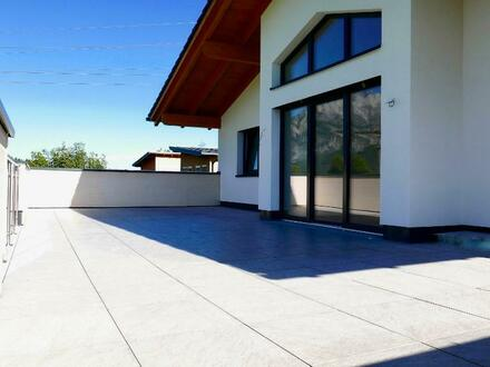 ERSTBEZUG: Traumhafte Dachgeschoßwohnung mit spektakulärer Terrasse / Ausblick