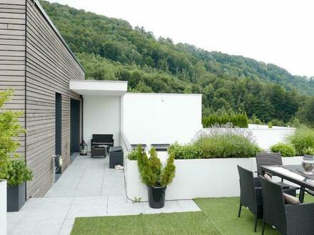 Mit Blick auf Salzburg - 3 Zimmer mit Balkon und XXL - Terrasse