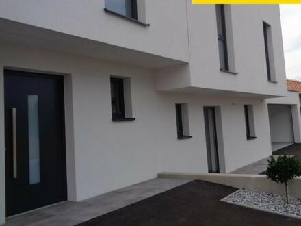 Erstbzug - Doppelhaushälft - Doppelgarage - eigener Garten!