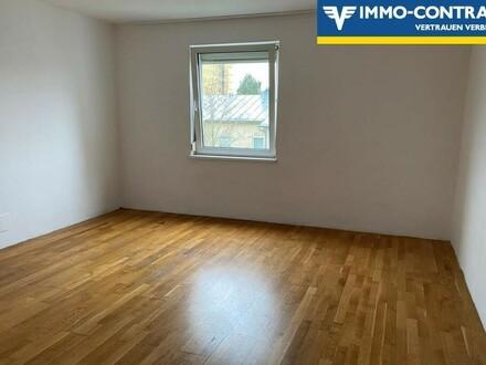 Ruhige, helle 2-Zimmer Wohnung (inkl. Parkplatz)