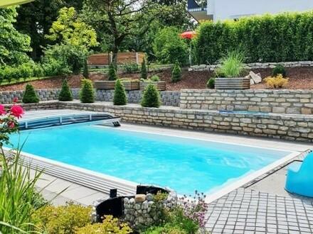 Modernes, top ausgestattetes Einfamilienhaus mit Pool, 230 m² Wohnfläche, 1.031 m² Grund, Baujahr 2012