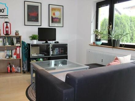 Gemütliche kleine 2 Zimmer Wohnung mit Balkon u. Parkplatz