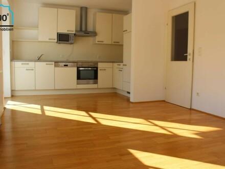 Helle freundliche 2 Zimmer Wohnung in City-Lage