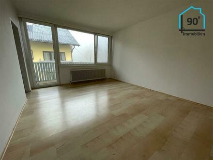 Single-Wohnung mit Balkon u. Parkplatz
