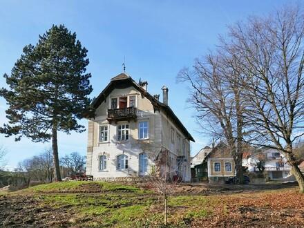 Jahrhundertwendevilla in ländlicher Aussichtslage in Ludmerfeld